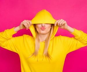 Modele noi de hanorace dama pentru look-uri casual si lejere in orice anotimp